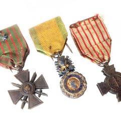 Décolartions militaires d'Albert T. MULOT : Croix de guerre avec étoiles de bronze et d'argent / Médaille militaire / Médaille du combattant